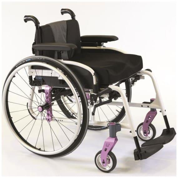 Carrozzina per disabili leggera chiudibile Invacare Action5