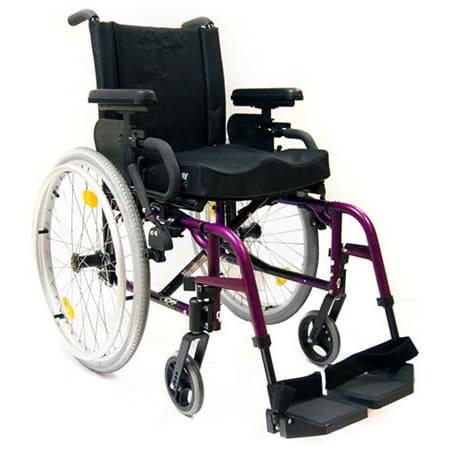 Carrozzina per disabili di tipo leggera